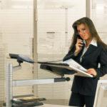 Officeplus Fachhändler Darmstadt, nachrüstbarer Stehpultaufsatz für den Schreibtisch