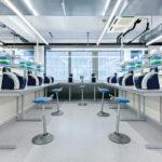 Muvman Factory aktiv Steh-Sitz, robust im Bereich Produktion